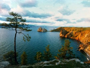 Adventure_tourism_Baikal_trekking_to-white_1